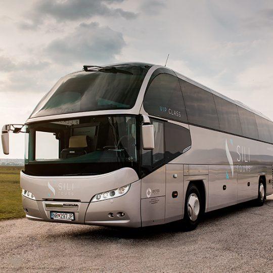 https://gyepestrans.sk/wp-content/uploads/2018/07/Gyepes-Trans-Neoplan-Cityliner-VIP-Class-fotka2-540x540.jpg